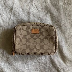 Coach 〰️ Makeup Bag NWOT